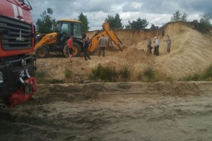 Рятувальники знайшли тіло дитини, яку засипало піском у кар'єрі на Рівненщині
