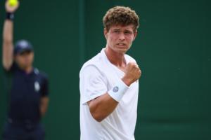 Украинец Ваншельбойм вышел во второй круг теннисного фьючерса в Телави