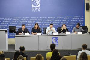 Інстаграм чи гречка: Що перемагає у боротьбі за голос виборця?
