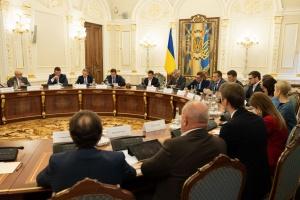 Президент считает приоритетом не борьбу, а преодоление коррупции