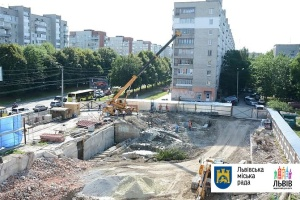 Застройщик разрушил легендарную фреску-аквариум во Львове