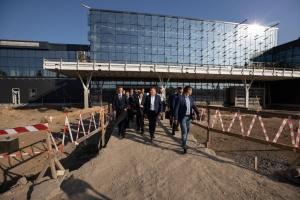 """Зеленський назвав дедлайн для будівництва терміналу в аеропорту """"Запоріжжя"""""""