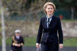 Нова глава Єврокомісії заявляє, що Польща прийняла півтора мільйона українських біженців