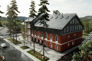"""У Косові килимовий цех перетворюють на """"Центр карпатської культури"""""""