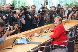 Меркель назвала нового главу ЕК хорошим решением для Европы