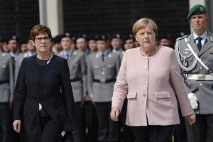Меркель обіцяє більше грошей Бундесверу