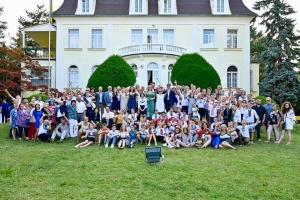 До посольства в Австрії завітали діти з України