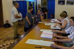 """Партія """"Слуга народу"""" перемогла у Молдові"""