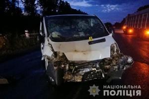 На Тернопільщині два Renault не поділили трасу: 8 постраждалих, серед них - діти