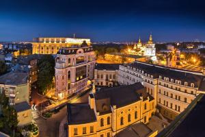 В центре Киева свет вернули в более 100 учреждений и около 40 домов