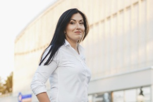 """У Харкові кандидат від """"Слуги народу"""" перемогла висуванців від опозиційних політсил"""