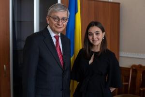 La Oficina Presidencial recibe al jefe de la Misión del CMU para la Observación Electoral (Fotos)