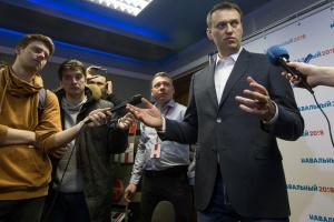 Навальний подає в суд на Пєскова через заяву про ЦРУ