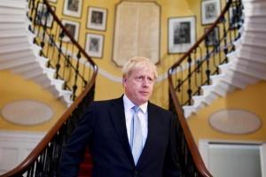 Джонсон хоче зробити три категорії робочих віз у Британії