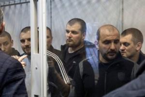 """Убийство """"Сармата"""": под Бердянской мэрией митингуют из-за домашнего ареста для фигурантов"""