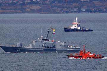 Sea Breeze: Romanian corvettes and U.S. destroyer arrive in Odesa