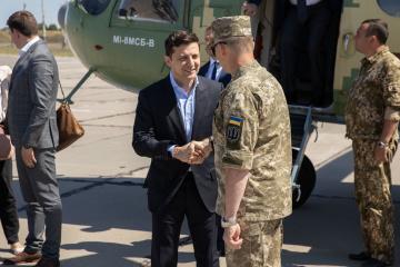 Zelensky: Militares recibirán una recompensa de dinero en el Día de la Independencia