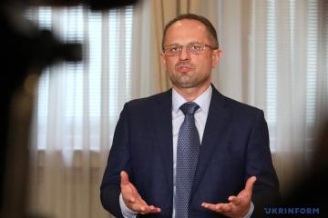 Roman Bezsmertny sait pourquoi il a été mis en retrait du processus de Minsk