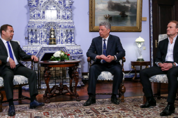 Medvedchuk, Boiko hold another round of 'talks' with Medvedev in Moscow