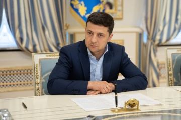Zelensky dismisses 56 district heads in 13 regions