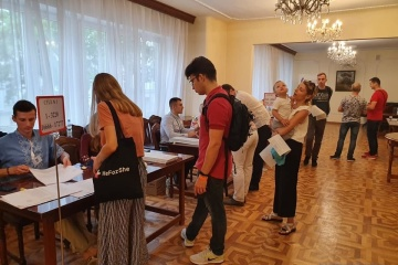 Rano nie było kolejek na wyborczej dzielnicy w Warszawie - spodziewana jest niska frekwencja ZDJĘCIE