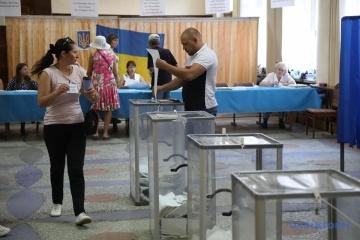 1.050 observadores y 11 representantes de los medios extranjeros observan las elecciones en Ucrania