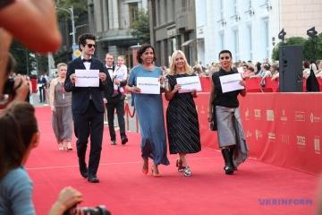 Acción en apoyo a Sentsov en la alfombra roja del Festival Internacional de Cine de Odesa (Fotos)