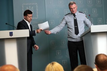 シェレメータ記者殺害捜査:ゼレンシキー大統領、警察長官と記者会見