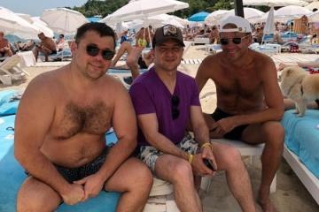 Zełenski  sfotografował się na plaży w Odessie ZDJĘCIE