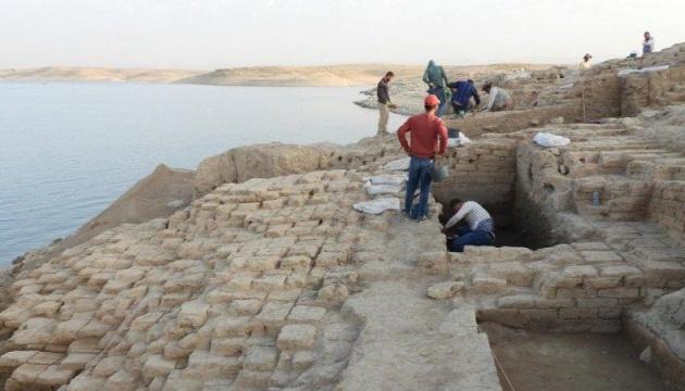 В Іраку на дні водосховища знайшли палац, якому більше 3000 років