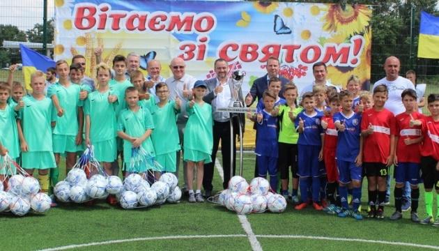 Павелко открыл новые футбольные площадки в Днепре и Запорожской области