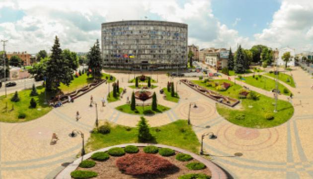 У Вінницькій міськраді створюють відділ з контролю за паркуванням авто