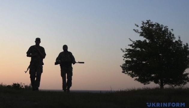 На Донбассе оккупанты бьют из запрещенных минометов, двое бойцов погибли