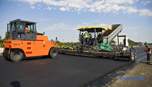 Укравтодор ввел в прошлом году в эксплуатацию 847 километров дорог
