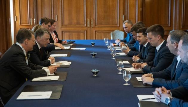Зеленський зустрівся в Канаді зі Спеціальним представником США Волкером