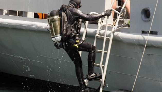 Sea Breeze: міжнародний загін водолазів шукав вибухівку біля  узбережжя Одеси