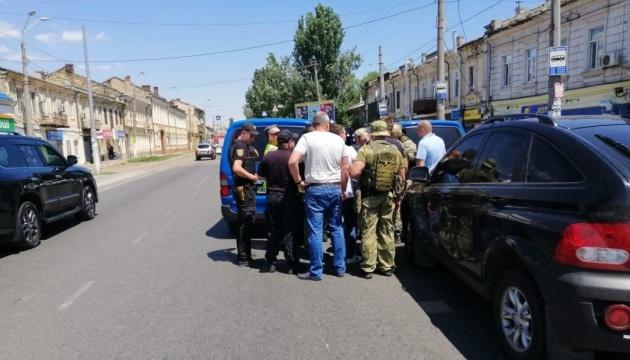 """В Одесі звільнили заручниць з відділення """"Швидкі гроші"""", жінки у лікарні"""
