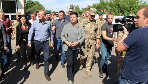 Selenskyj und Tusk besuchten Stanyzja Luhanska - Fotos
