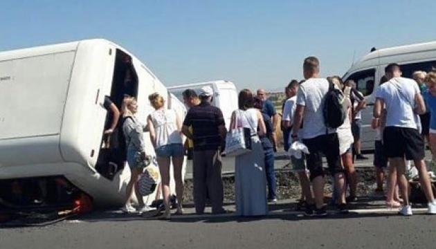 У Туреччині перекинувся автобус, постраждали туристи
