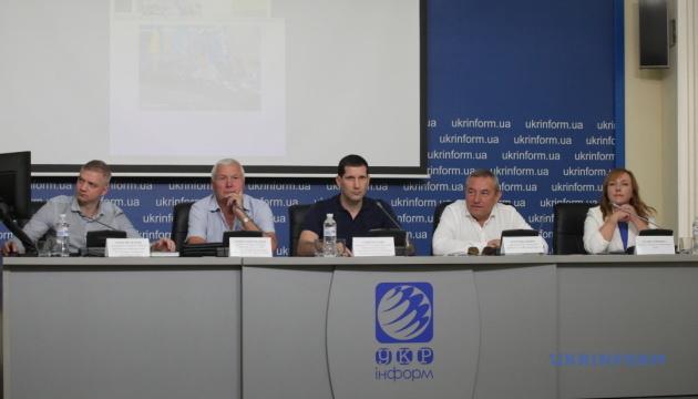 Сучасний стан українського футболу: хто переможе футбольні функціонери чи політики?
