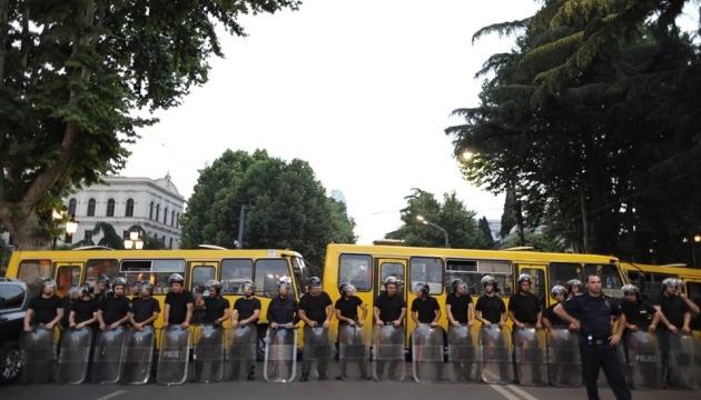 В парламенті Грузії та навколо нього розгорнули поліцейські підрозділи