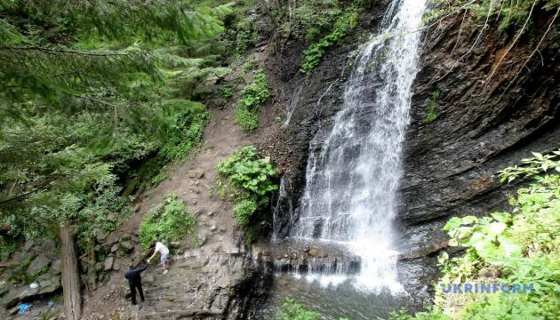 Карпатский водопад Гук Женецкий можно будет увидеть в виртуальном туре