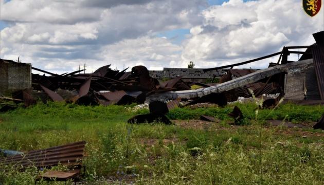 Окупанти на Донбасі гатили з установки