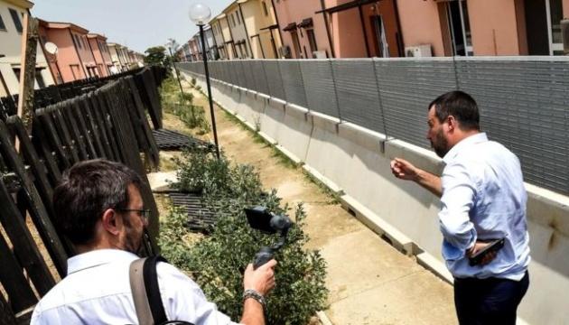 Італія закрила найбільший в Європі табір для біженців