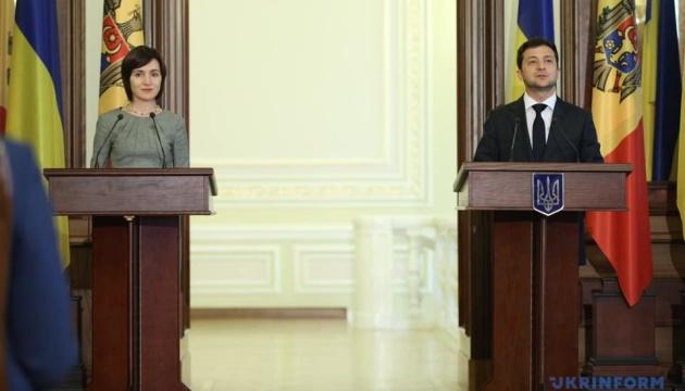 Прем'єр Молдови привітала Зеленського з результатами