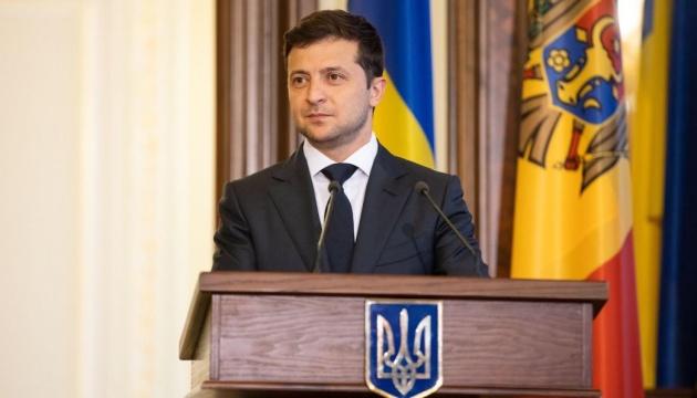 Зеленский обратился к инвесторам на английском: Welcome to Ukraine