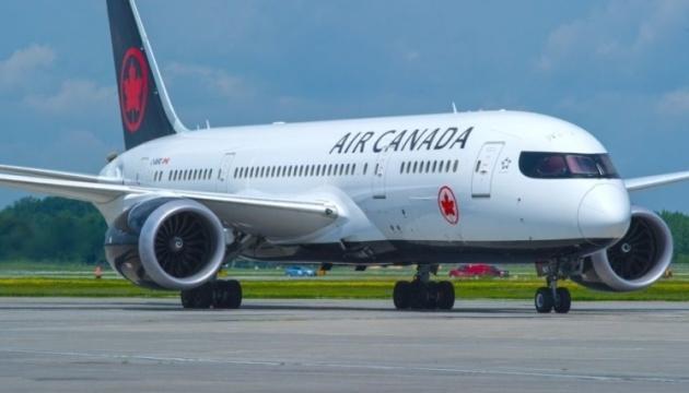Кількість постраждалих через турбулентність літака Air Canada зросла до 35
