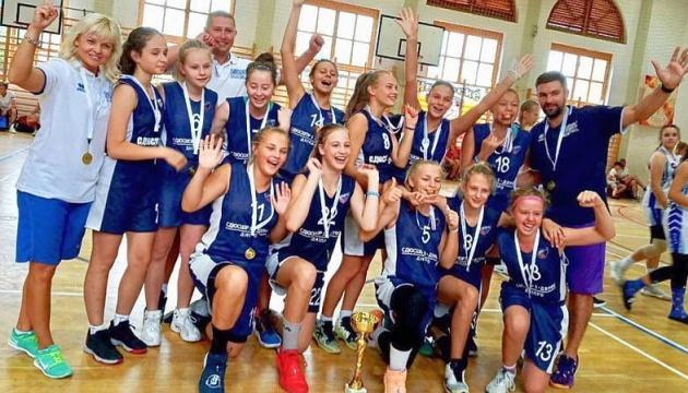 Юні баскетболістки з Дніпра перемогли на міжнародному турнірі в Капошварі