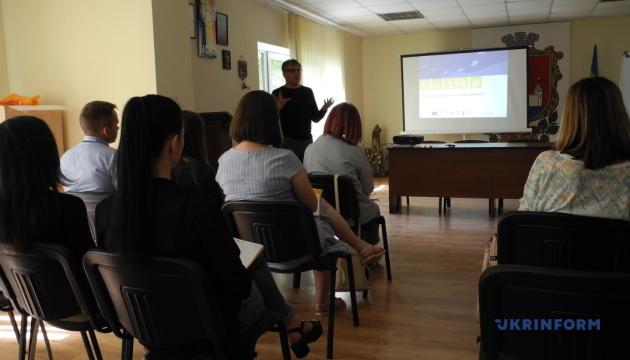 Представителей Хотинской ОТГ учили писать грантовые проекты