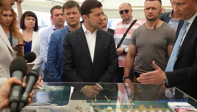 Зеленський доручив Труханову організувати безкоштовний в'їзд в Одеський порт для бізнесу